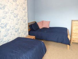Sea View Apartment - North Wales - 924749 - thumbnail photo 13