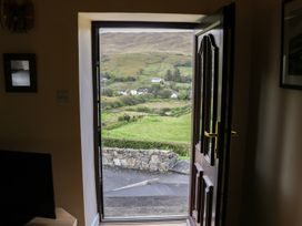 Spring Bank Cottage - Shancroagh & County Galway - 925300 - thumbnail photo 9