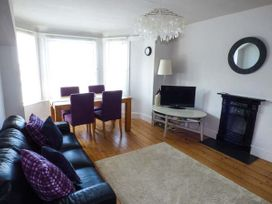 Y Castell Apartment 3 - North Wales - 926396 - thumbnail photo 2