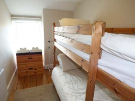 Y Castell Apartment 3 - North Wales - 926396 - thumbnail photo 7