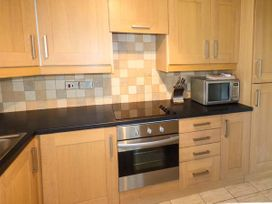 Y Castell Apartment 3 - North Wales - 926396 - thumbnail photo 5
