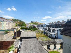 Y Castell Apartment 3 - North Wales - 926396 - thumbnail photo 9