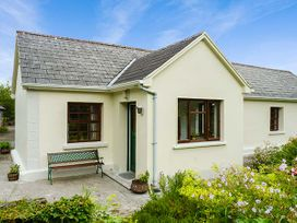 Hawthorn Farm Cottage - County Sligo - 926560 - thumbnail photo 1