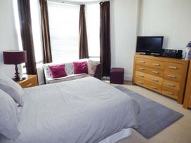 Y Castell Apartment 1 - North Wales - 926578 - thumbnail photo 3