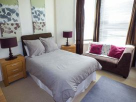 Y Castell Apartment 1 - North Wales - 926578 - thumbnail photo 4