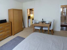Y Castell Apartment 1 - North Wales - 926578 - thumbnail photo 5