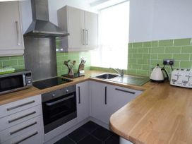 Y Castell Apartment 2 - North Wales - 926579 - thumbnail photo 5