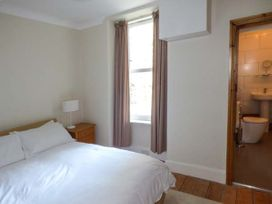 Y Castell Apartment 2 - North Wales - 926579 - thumbnail photo 8