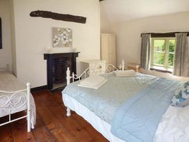 Ploony Cottage - Mid Wales - 926667 - thumbnail photo 6