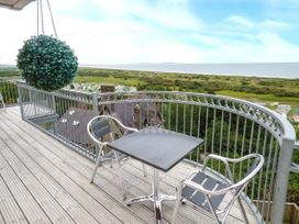 Cliff Top View - South Wales - 926974 - thumbnail photo 2