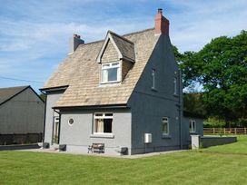 2 bedroom Cottage for rent in Ammanford