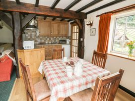 White Cottage - Shropshire - 927354 - thumbnail photo 4