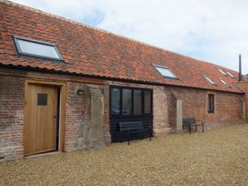 The Long Barn - Norfolk - 927363 - thumbnail photo 1