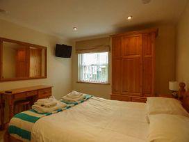 4 Beachcombers Apartments - Cornwall - 927396 - thumbnail photo 6