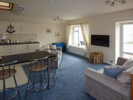 Hyfrydle Apartment - Anglesey - 927582 - thumbnail photo 4