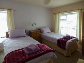 Hyfrydle Apartment - Anglesey - 927582 - thumbnail photo 8