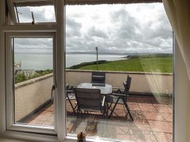 Hyfrydle Apartment - Anglesey - 927582 - thumbnail photo 2