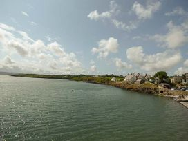 Hyfrydle Apartment - Anglesey - 927582 - thumbnail photo 13