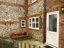 2 Carr Terrace - Norfolk - 927637 - thumbnail photo 2