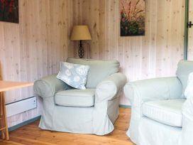 Lakeside Cabin - Devon - 928393 - thumbnail photo 4