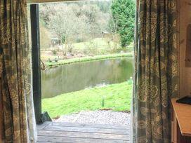 Lakeside Cabin - Devon - 928393 - thumbnail photo 7