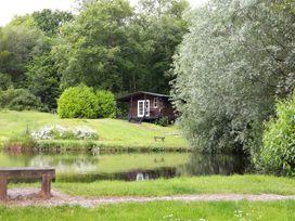 Lakeside Cabin - Devon - 928393 - thumbnail photo 2