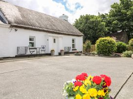Whispering Willows - The Thatch - County Donegal - 928919 - thumbnail photo 12