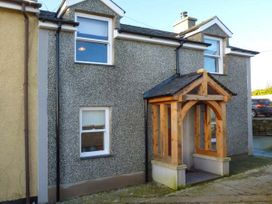 2 bedroom Cottage for rent in Llanerchymedd