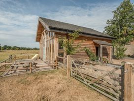 The Tractor Shed - Shropshire - 929789 - thumbnail photo 2