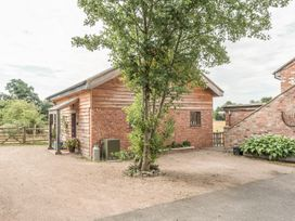 The Tractor Shed - Shropshire - 929789 - thumbnail photo 24