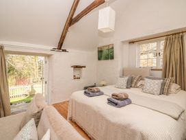 Hawthorn Cottage - South Wales - 930004 - thumbnail photo 12