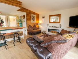 Deer Lodge - Whitby & North Yorkshire - 930957 - thumbnail photo 6