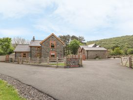 The Farmhouse - Mid Wales - 931725 - thumbnail photo 1