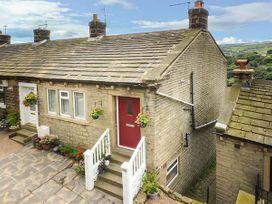 3 bedroom Cottage for rent in Huddersfield
