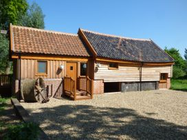 Watermill Granary Barn - Norfolk - 931832 - thumbnail photo 2