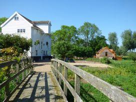 Watermill Granary Barn - Norfolk - 931832 - thumbnail photo 12