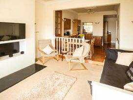 Downstairs Flat Crow's Nest - South Wales - 931866 - thumbnail photo 3