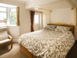 Downstairs Flat Crow's Nest - South Wales - 931866 - thumbnail photo 9