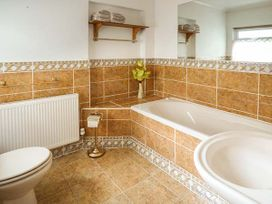Downstairs Flat Crow's Nest - South Wales - 931866 - thumbnail photo 11