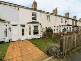 9 Oaklands Terrace - Suffolk & Essex - 932776 - thumbnail photo 1