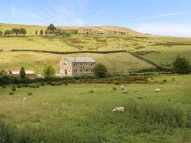 Colden Water - Yorkshire Dales - 932893 - thumbnail photo 2