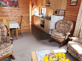 Sycamore Lodge - Whitby & North Yorkshire - 933220 - thumbnail photo 4