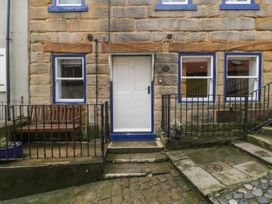 Grimes Nook - North Yorkshire (incl. Whitby) - 933837 - thumbnail photo 2