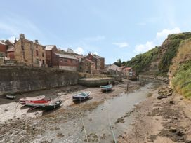 Grimes Nook - North Yorkshire (incl. Whitby) - 933837 - thumbnail photo 11