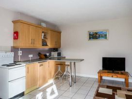 Ferry Lodge Cottage - County Clare - 933868 - thumbnail photo 6