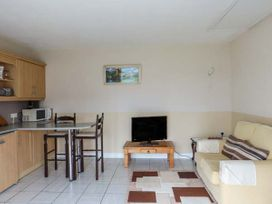 Ferry Lodge Cottage - County Clare - 933868 - thumbnail photo 5