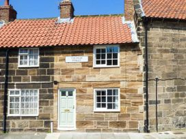 Chimes Cottage - Whitby & North Yorkshire - 934250 - thumbnail photo 1