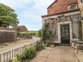 Florence Cottage - Whitby & North Yorkshire - 934476 - thumbnail photo 2