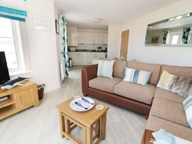 Ocean View Apartment - North Wales - 934495 - thumbnail photo 2