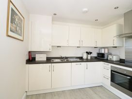 Ocean View Apartment - North Wales - 934495 - thumbnail photo 7